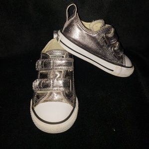 Converse Chuck Taylor All Star 2V shoes - Size 5